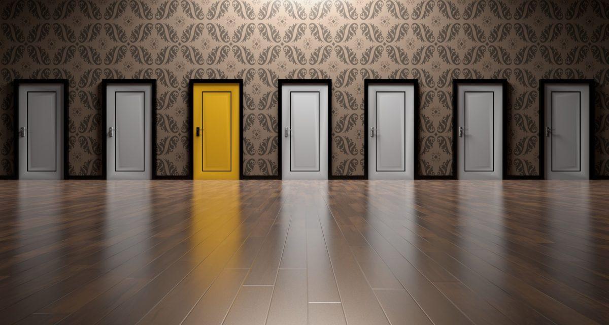 yellow door pic